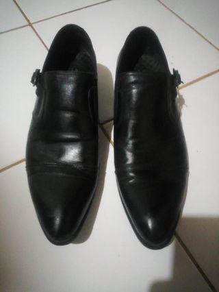 sepatu pantofel Felix Ferguso