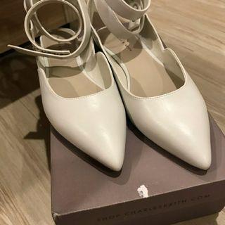 🚚 Charlies&keith 小ck 尖頭米色平底鞋 綁帶鞋