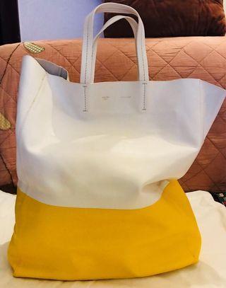 CELINE bag 超美羊皮袋 冇用過 近全新 op$xxxxx 超超超.....................扺用 又平 又新 又抵 又靚 一