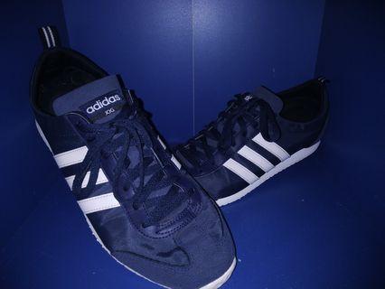 Sepatu Adidas Neo vs JOG