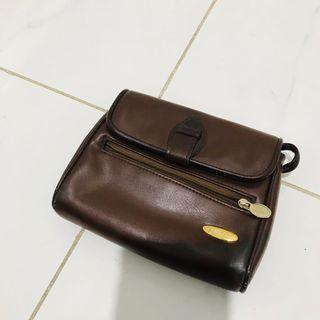 LIZ CLAIBOURNE VINTAGE AUTHENTIC BROWN LEATHER BAG SMALL GOLD HARDWARE