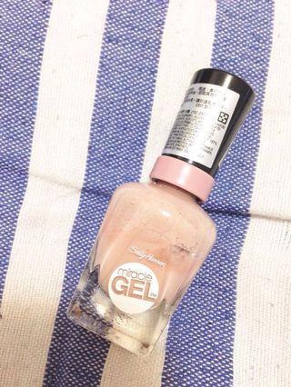 [全賣場限時滿750免運] 粉膚色裸色指甲油 Sally Hansen Miracle GEL 色號026