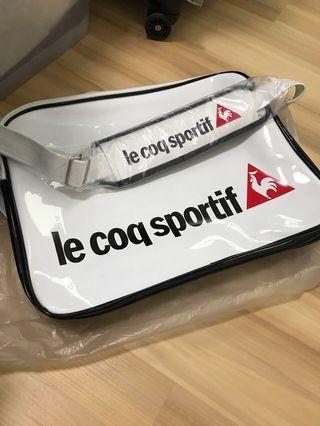Le coq Sportif big sling bag