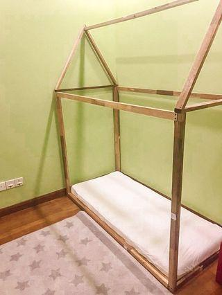 Montessori bed frame house