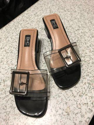 🚚 Ladies shoes D&C sandals