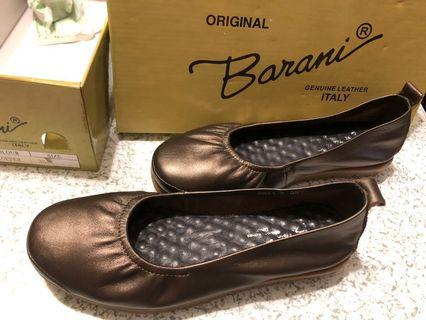 🚚 Ladies Barani leather shoes