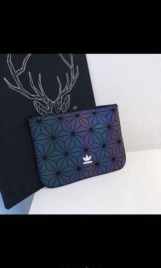 🚚 Adidas Clutch Bag