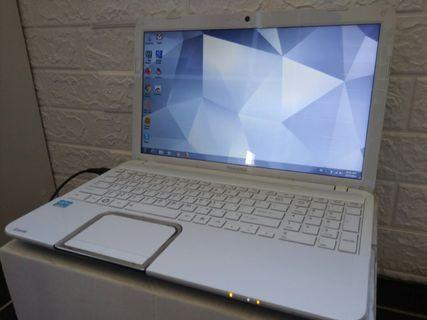 🚚 Toshiba i5/win7/8Gb/750Gb hdd/15.6inch/Gaming