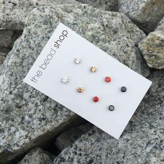 DIAMANTE STUD EARRING