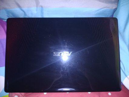 Laptop Asus X550IU