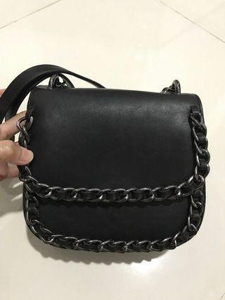 NETT Black Chain Sling Bag