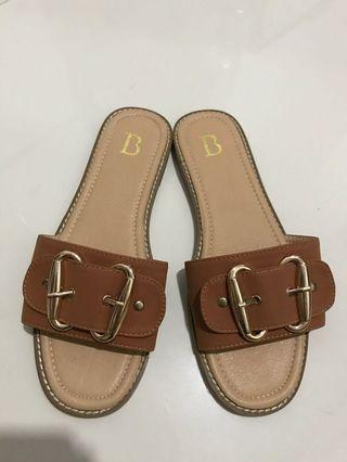 NETT Brown Sandals