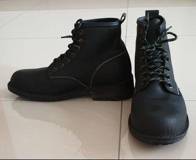 Kickers steel toe boots