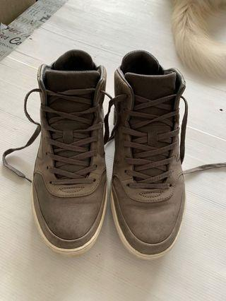 Lacoste Leather High Cut size uk9.5 eur44 usa10.5