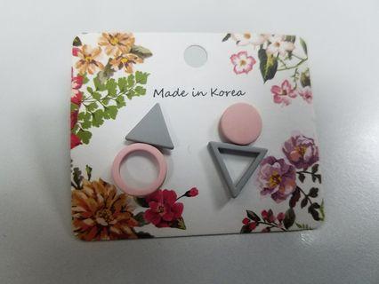 韓國耳環三角形圓形 戴過一次不適恰 包平郵 $25