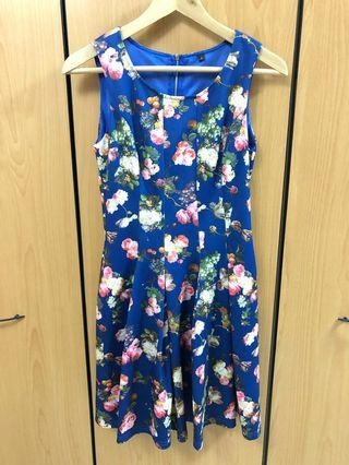🚚 Blue Floral Dress (S) with back zip and inner lining