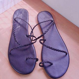 黑色平底綁帶涼鞋