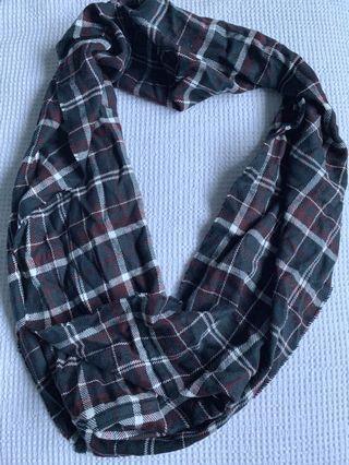 Wrap Checkered Scarf