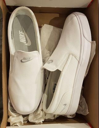 Nike Toki Slip Canvas size 11.5 US for women or 10 US for men
