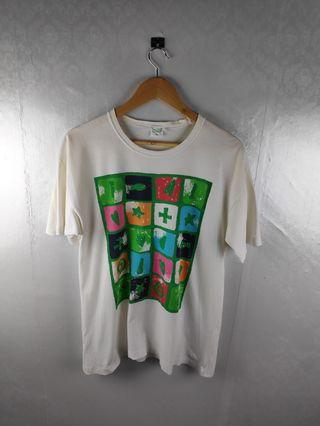 Vtg United Colors of Benetton Graphic Tshirt