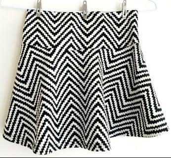 【全新】幾何圖形性感短裙