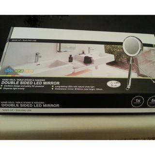 Double side Lighted Mirror with magnifying mirror