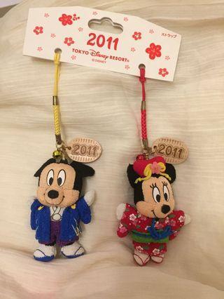 Q比小舖~全新日本東京迪士尼2011米奇米妮吊飾組 紀念款