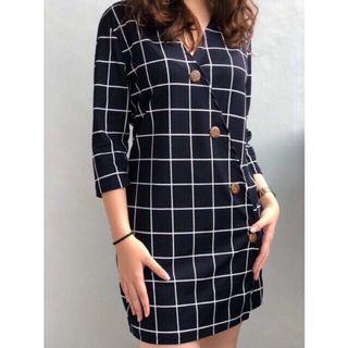 ¾ Sleeve Button Grid V-neck Dress (UNUSED) Black