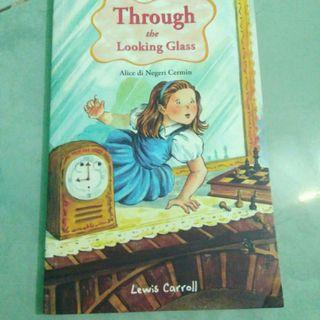 Novel Alice Through the Looking Glass Di Dunia Cermin by Lewis Caroll