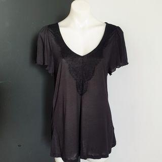 Women's size L 'WITCHERY' Gorgeous black casual top with lace trim