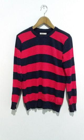 Sweater garis merah biru