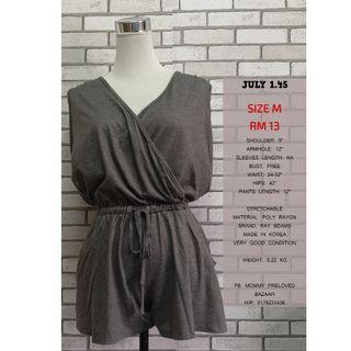 SLEEVESLESS GREY ROMPER