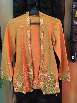 Kebaya Nyonya embroidery