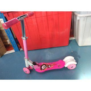 BRAND NEW pink and blue scooter