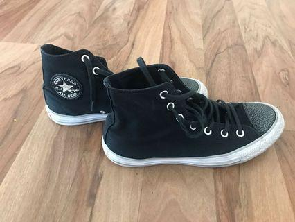 Converse shoes size 39 in great condition