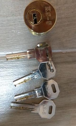 T-lock 鎖膽