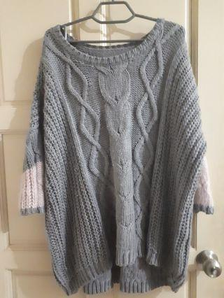 Gray and Pink Knitted Sweatshirt