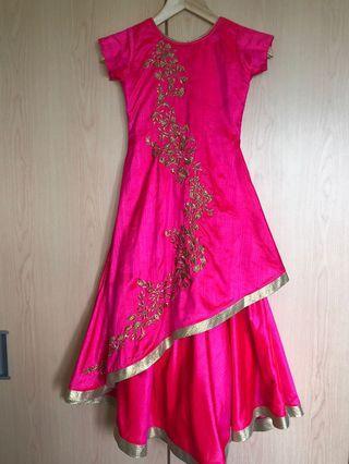 🚚 Indian dress.
