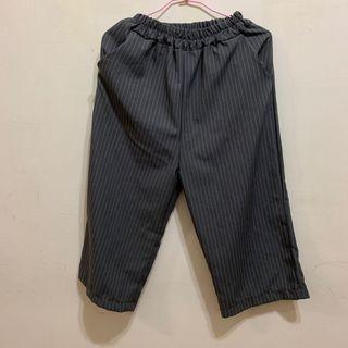灰色細白線條直筒寬褲 休閒褲
