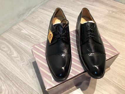 🚚 全新 黑色皮鞋 USA7.5 UK6.5 Eure40