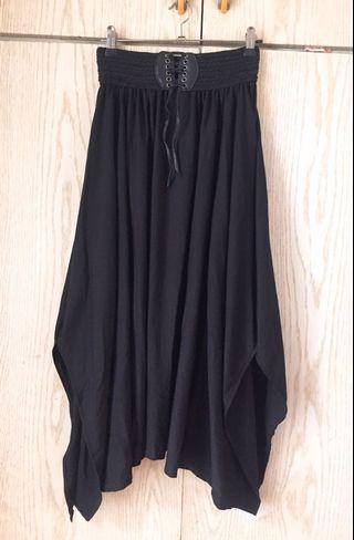 飄逸黑色長裙