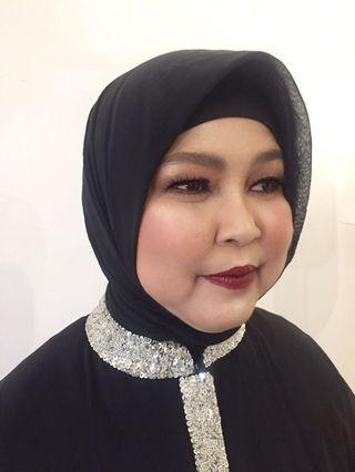 Make-up Artist (make-up by andari)