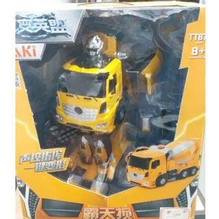 🚚 Transformer Cement Truck