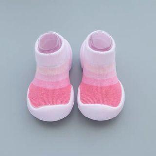 嬰兒鞋襪春秋新款透氣防滑膠底儿童学步鞋室内幼儿寶寶地板袜