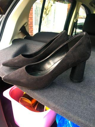 Black Sculptured Pointy Toe Heels