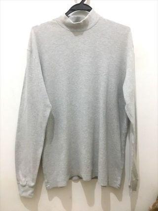 Uniqlo grey top