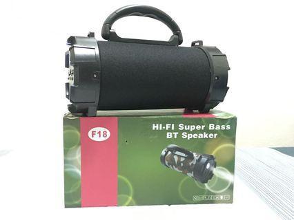 🚚 新款 藍芽手提喇叭/嘻哈小巨砲/小巨炮音箱 帶LED手電筒 F18