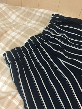 🚚 9.9成新 高質感深藍色直條紋寬褲 涼感親膚有口袋