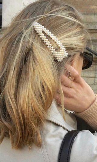 Oversized hair clip