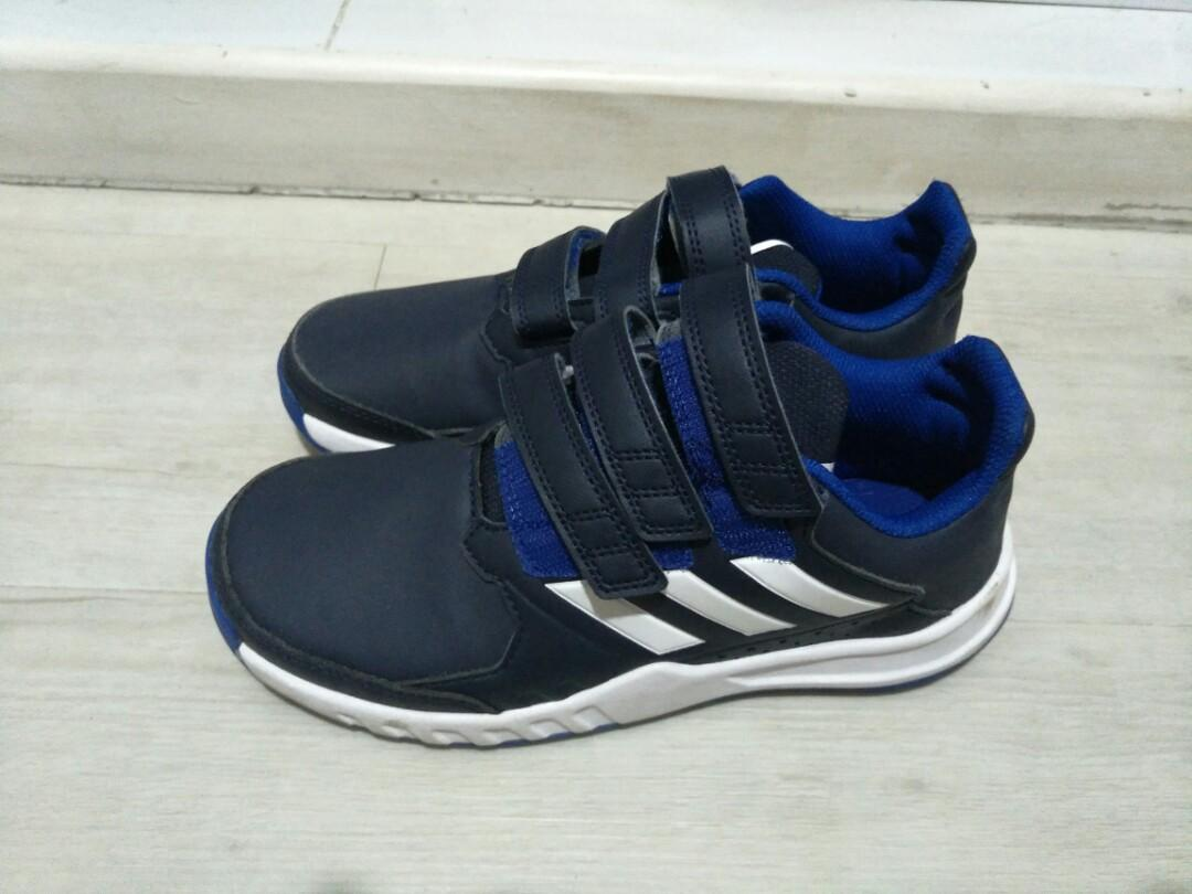 Boys Adidas size US3.5 for sale, Men's Fashion, Footwear
